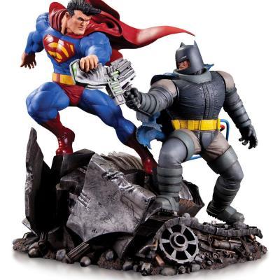 Dc comics batman vs superman mini battle statue 16cm