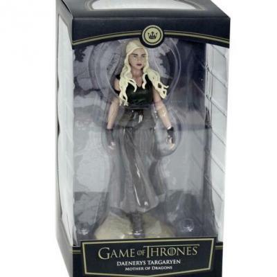 Game of thrones figurine daenerys targaryen mother of dragons
