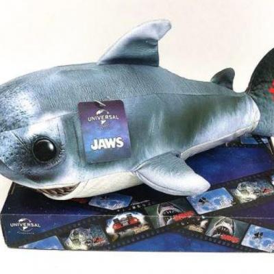 Jaws shark peluche 30x15x11cm