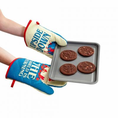 Stranger things gants de cuisine upside down